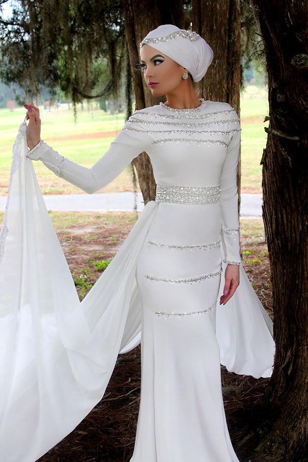 لباس عروس پوشیده ایرانی  لباس عروس پوشیده با کلاه  مدل کلاه عروس محجبه  خرید لباس عروس محجبه  لباس عروس حجابی شیک  لباس عروس محجبه جدید  لباس عروس با حجاب جدید  مدل لباس عروس با حجاب با کلاه  لباس عروس پوشیده ایرانی